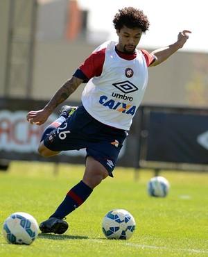 Volante Otávio; Atlético-PR (Foto: Site oficial do Atlético-PR/Divulgação)