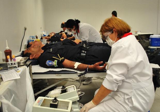 Novo efetivo da Guarda Municipal se uniu para doar sangue (Foto: Divulgação / Maitê Morelatto )