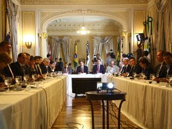 Primeira reunião de Câmara com todo secretariado ocorreu no Palácio e durou mais de cinco horas (Foto: Wagner Ramos/ Governo de Pernambuco)