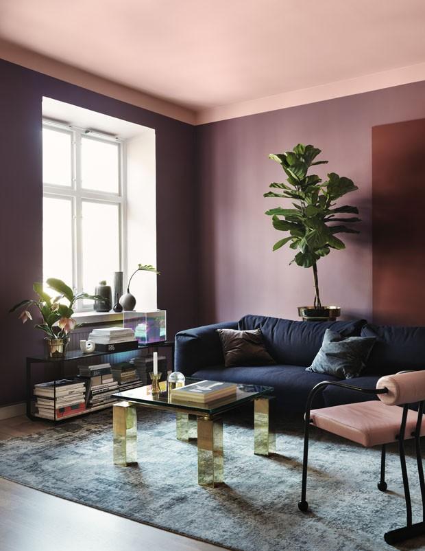 Décor do dia: sala de estar com teto rosa (Foto: reprodução)