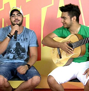 Aprenda hit sertanejo com Henrique e Juliano (Esquenta / TV Globo)