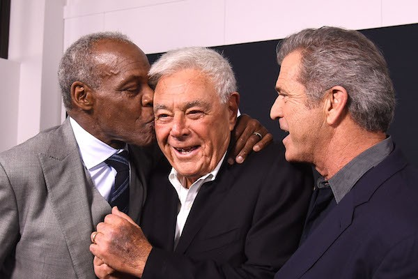 Danny Glover com Richard Donner e Mel Gibson (Foto: Getty Images)