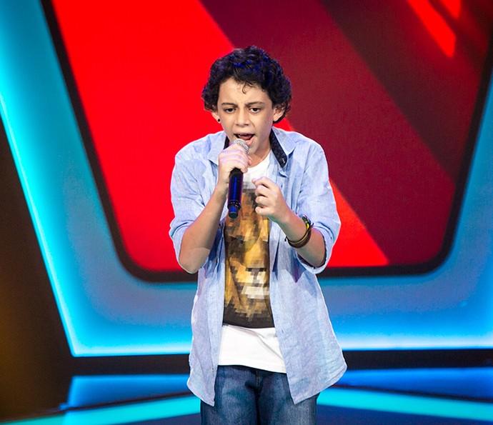 Pepê Santos soltou a voz com personalidade no palco (Foto: Isabella Pinheiro/Gshow)