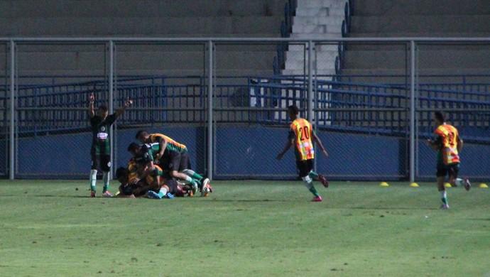 Manaus FC x Rio Negro (Foto: Marcos Dantas)