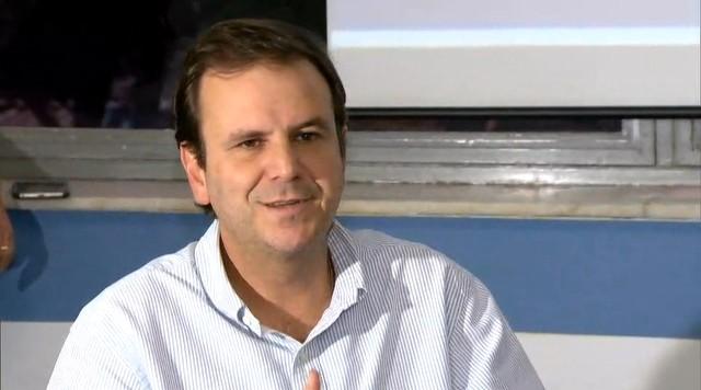 'Vamos atender melhor a população da Zona Oeste', diz Paes sobre incorporação de hospitais