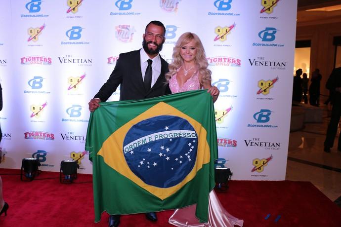 Jorginho Filho e Jhenny Andrade; Oscar do MMA (Foto: Evelyn Rodrigues)