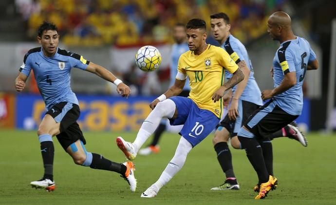 Neymar Brasil x Uruguai (Foto: Reuters)