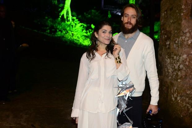 270fc26358ccc EGO - Débora Nascimento e José Loreto se casam em cerimônia surpresa ...