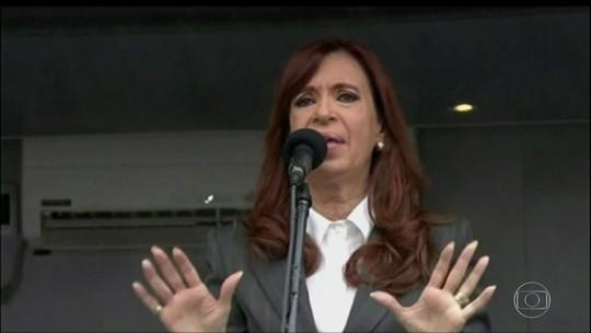 Cristina Kirchner é acusada de favorecer empresário em licitações