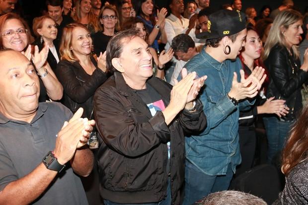 Dedé Santana aplaude Jacaré (Foto: Fred Pontes/Divulgação)