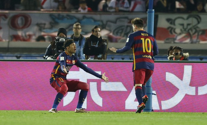 Messi comemora gol do Barcelona com Neymar final Mundial de Clubes (Foto: REUTERS/Yuya Shino)