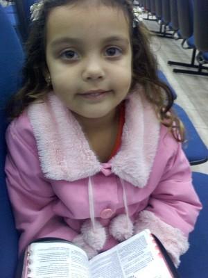 Eduarda viveu até os 4 anos sem apresentar sintomas (Foto: Arquivo pessoal)