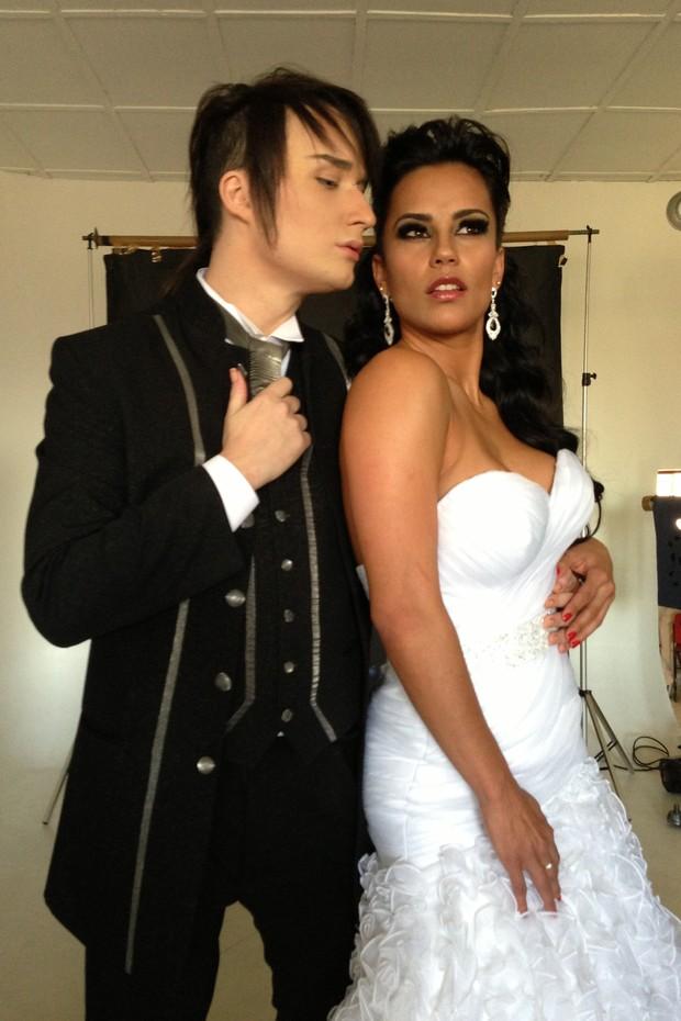 Ex-BBB Serginho posa de noivo em ensaio fotográfico (Foto: Maximo Jr. / JR assessoria e produções)