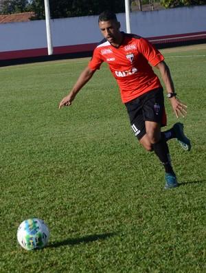 Michel - volante do Atlético-GO (Foto: Divulgação / Atlético-GO)