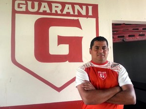 Leston Junior técnico do Guarani-MG time de Divinópolis MG  (Foto: Anna Lúcia Silva)