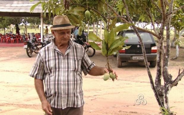 O presidente da comunidade falou sobre a história do lugar (Foto: Roraima TV)