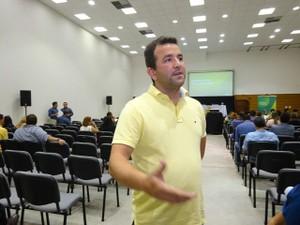 Apesar de estar no segundo mandato, Tales fez questão de participar da capacitação (Foto: Divulgação/Unacon)