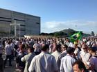 Funcionários da Samarco protestam em Vitória por volta da empresa