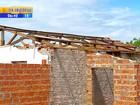 Moradores tentam reconstruir casas cinco meses após enchente no RS