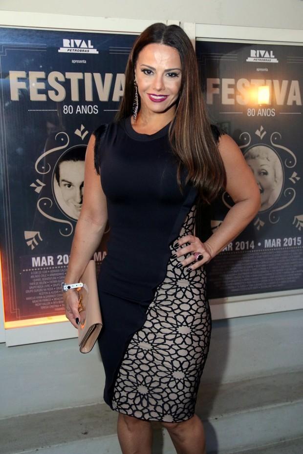 Viviane Araújo em premiação no Centro do Rio (Foto: Daniel Pinheiro/ Ag. News)