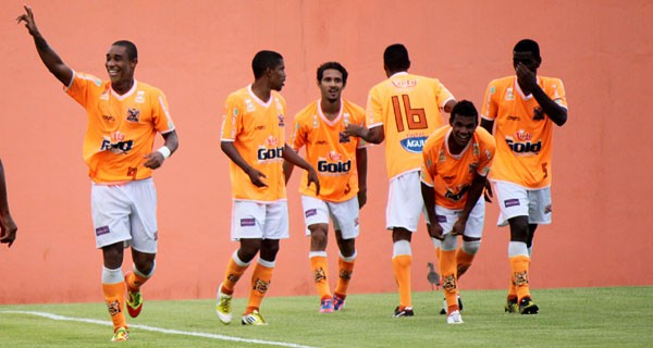Nova Iguaçu comemora gol na final diante do Bangu - COPA rIO 2012 (Foto: Site Nova Iguaçu)