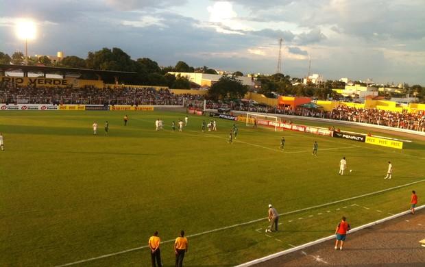 Luverdense venceu a Chapecoense por 1 a 0, mas ficou sem a vaga (Foto: Lucas de Senna/TV Centro América)