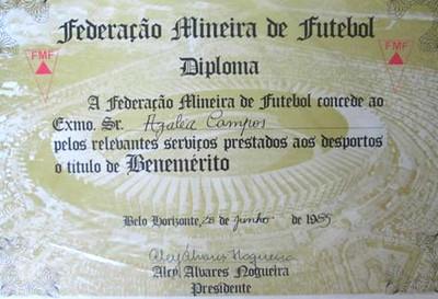 Diploma recebido por Léa Campos pela Federação Mineira na década de 1980 (Foto: Arquivo Pessoal)