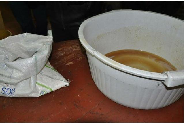 Transportadores misturavam água e ureia ao leite para aumentar o lucro (Foto: Divulgação/Ministério Público)
