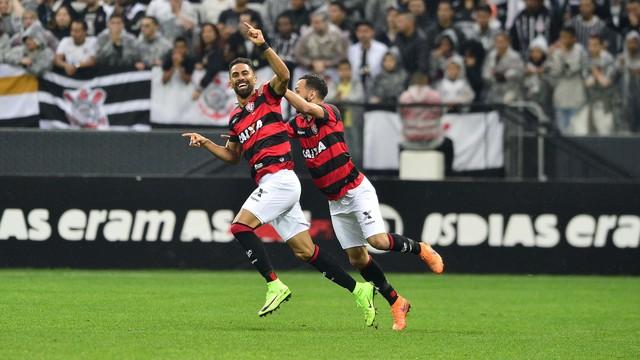 12e9ba4fdb Corinthians x Vitória - Campeonato Brasileiro 2017-2017 ...