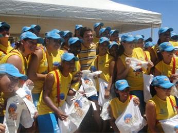 Projeto tem início neste domingo com a distribuição de sacolas na praia (Foto: Sthèphanie Villarim/Divulgação)