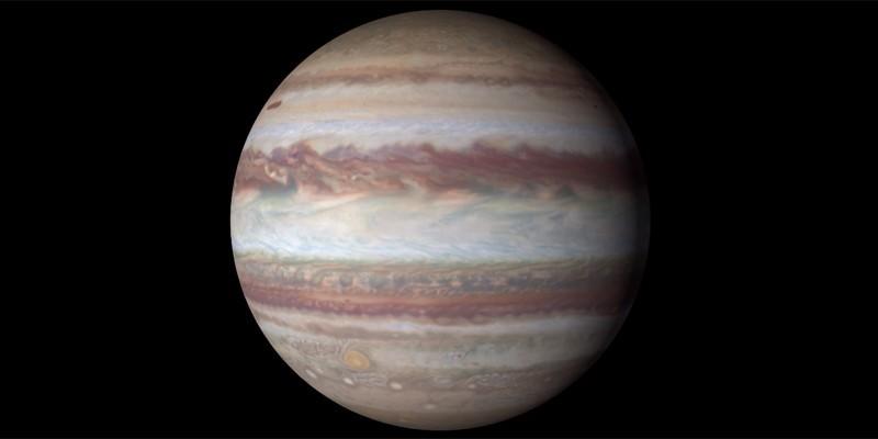 Julho está cheio de novidades, incluindo um sobrevoo de Juno na Grande Mancha Vermelha de Júpiter (Foto: NASA )