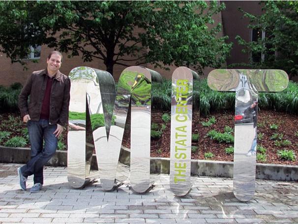 O apresentador do Globo Universidade Paulo Mario Martins no MIT (Foto: Divulgação)