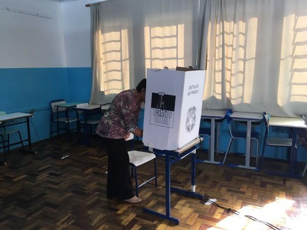 Eleitores de seis cidades gaúchas foram às urnas neste domingo (12) (Foto: Lahis Welter/RBS TV)