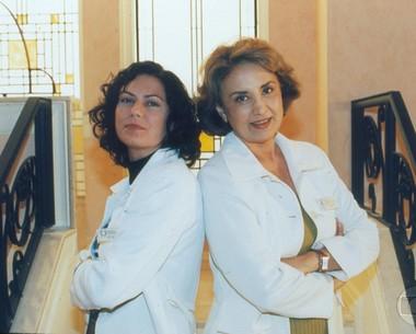 Patricia e Eva Wilma no seriado 'Mulher', em 1998. (Foto: CEDOC)