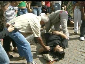 Acidente com van em Campos dos Goytacazes (Foto: Reprodução / Inter TV)