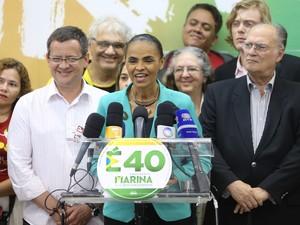 Candidata Marina Silva durante entrevista coletiva em São Paulo (Foto: Daniel Teixeira/Estadão Conteúdo)