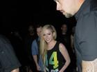 Depois de show, Avril Lavigne sai para jantar em São Paulo