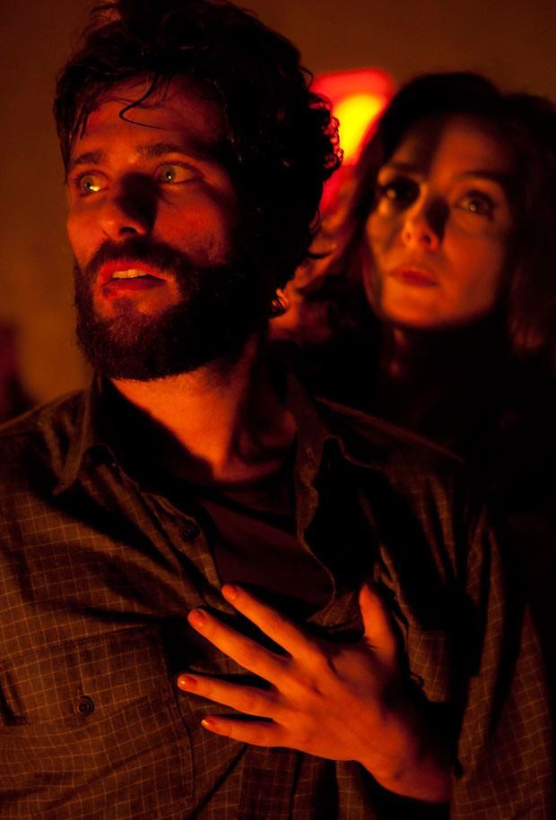 """""""Isolados"""", filme no qual Bruno atuou ao lado de Regiane Alves , teve coprodução da produtora do ator, a Escambo (Foto: Divulgação)"""