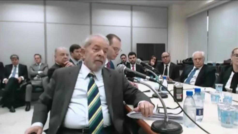 Depoimento de Lula a Moro em Curitiba (Foto: Reprodução/GloboNews)