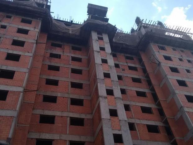 Homem caiu do 9º andar de prédio residencial em Piracicaba (Foto: Edijan Del Santo/EPTV)
