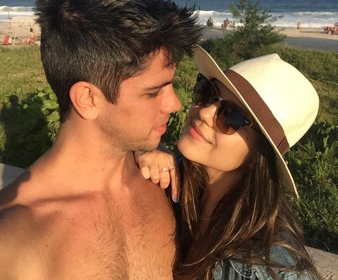 Jessika Alves posa com o namorado (Foto: Arquivo Pessoal)