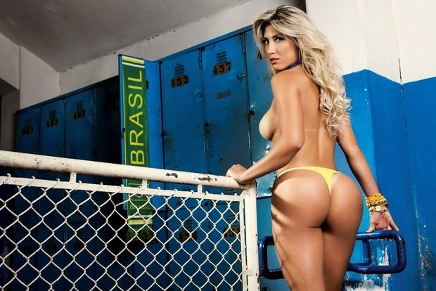 Rô Fraga posa para a revista Sexy (Foto: Jonas Tucci / Revista Sexy)