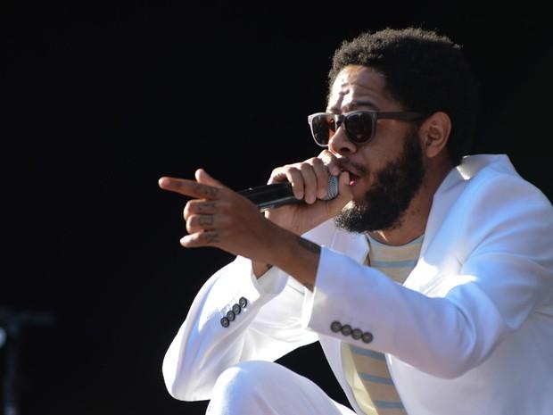 VIRADA CULTURAL - Domingo (15h20) - O rapper Emicida se apresenta no Palco Júlio Prestes da Virada Cultural (Foto: Flávio Moraes/G1)