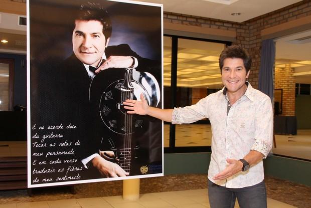 Daniel visita exposição temárica sobre seus 30 anos de carreira (Foto: Alex Palarea/AgNews)