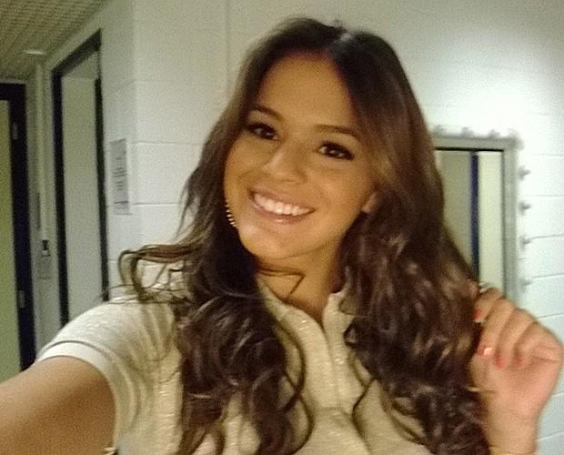 Bruna aguarda para gravar o Vídeo Show (Foto: Vídeo Show/TV Globo)