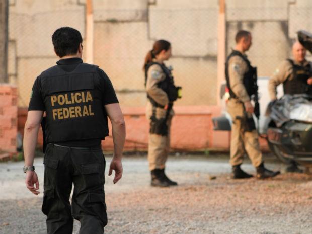De acordo com a PF, a quadrilha foi responsável por roubos e explosões de caixas em bancos, supermercados e universidades (Foto: Divulgação/Polícia Rodoviária Federal)