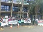 Em greve, agentes da Fundação Casa protestam na Câmara de Ribeirão