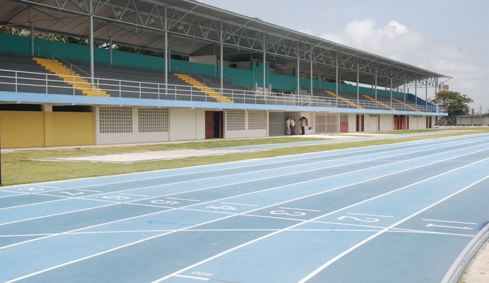 Pista de atletismo, UFPB, João Pessoa (Foto: Larissa Keren / Globoesporte.com/pb)