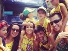 De maria chiquinha e roupa do Brasil, Carla Perez agita trio em Salvador