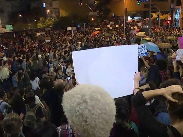 Ato contra 'cultura do estupro' chega à Praça Roosevelt, no Centro de SP (Foto: Lívia Machado/G1)